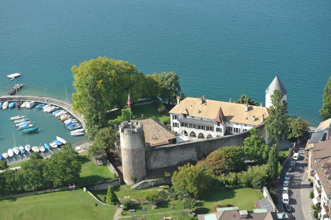 Vue sur le château du musée suisse des jeux